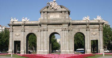 Puerta de Alcalà, Madrid