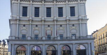 façade de l'opéra de madrid