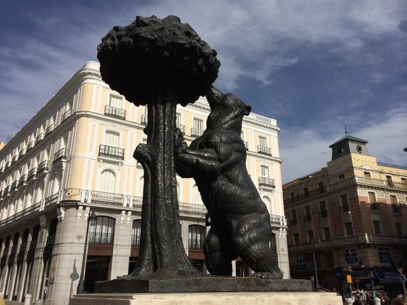 statue de l'ours et de l'arbousier madrid