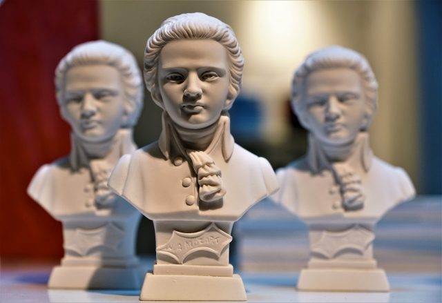trois bustes d'homme