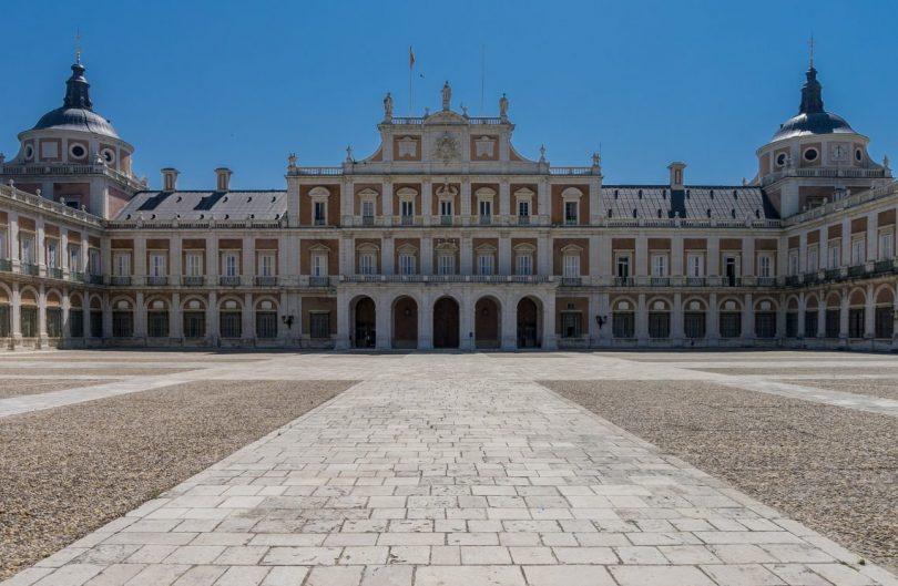 entrée du palais royal de madrid