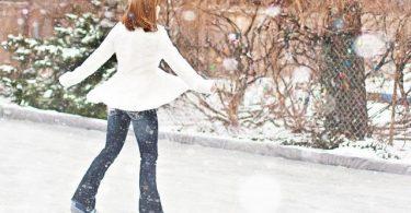 femme patinant