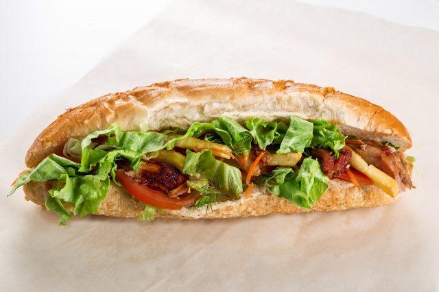 sandwich tomate laitue frites