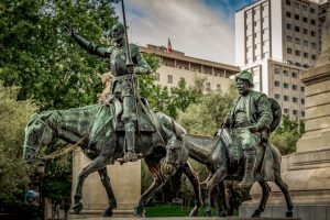 statue de Don Quixote de la Mancha et Sancho Panza sur la plaza espana à madrid